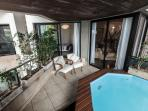 Balcony with Jacuzzi