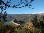 Visuale del lago di Bomba e della Majella