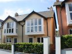 The Lookout is a stylish holiday property close to the beaches of Saundersfoot