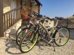 4 vélos + gps à disposition de nos hôtes gratuitement