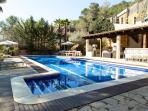 Villa Palmera, paradise near Sitges and Barcelona. sleeps 18-22