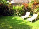 Sunny, private yard