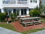 Outdoor grilling & picnic area