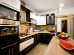 H(11): kitchen