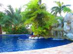 300 ft pool