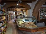 Well stocked bakery and delicatessen in Strada