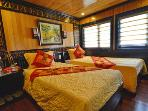 I HAVE A TOP HALONG BAY BOAT APARTMENT ASK FOR DETAILS