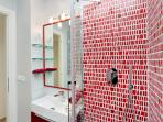 Rome Vacation Rentals Tasso - Second Bathroom with Shower