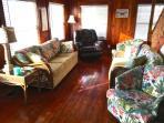Couch,Furniture,Chair,Cushion,Home Decor