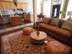 Luxury Cottage Home in Quiet Garden, City Center