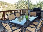Hilltop Retreat- Serenity in the Oaks on Lake Naci