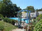 Rose arch to pool