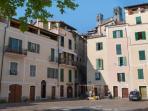 Piazza Padre Giovanni Mauro - luogo dove si trova l'appartamento al piano 1°