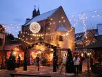 ambiance festive au marché de noël d'Eguisheim