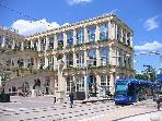 Le centre Polygone (boutiques, restaurants, alimentation...) sur 3 étages (à 100m de la résidence)