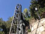 Ascensor acceso al Cerro Santa Lucía, lugar donde se fundó la ciudad de Santiago.