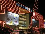 10 minutes away to Central Plaza Chaengwattana shopping department store.