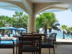 Restaurante del club con vista al mar