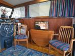 Salon, Starboard Side