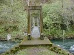 Puente colgante sobre el rio Eo (a 1,5Km)