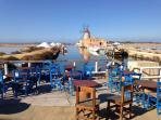 Museo del sale: suggestivo mulino a vento nelle saline della Laguna dello Stagnone