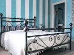 Stanza RAVEL: colori pastello e materiali nobili per un comfort tutto luxe, calme et volupté.