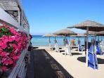 Spiaggia attrezzata (Lido Delfino)