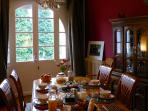 Breakfast in the large dining room