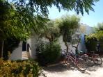 Ingresso della Villa con le bici