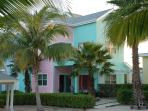 pool side condo. across the street from the beach. one mile from PADI 5 star dive shop.