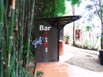 A small pool bar is named after Gecko residents - an indicator of healthy environment.