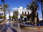 Plaza de España - About 10 minutes walk.  A unos 10 minutos a pie.