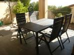 Disfruta de tus desayunos o comidas en la terraza/porche