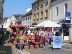 Friday market in Lampaulploudalmezeau