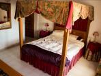 Ground floor double bedroom (with en suite)