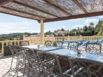 outdoor seating area/barbecue