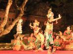 Ramayana ballet at the Saraswati temple / Lotus cafe next door.