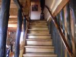 escalera de acceso al segundo piso