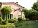 Mas du Luberon, holidayhouse to rent in Céreste 15 km from Apt