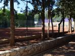 Tennis courts are 10 min from the apartment