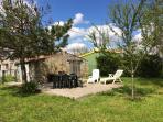 jardin avec le garage (pas la maison)