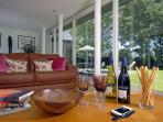St Davids luxury holiday stone cottage with garden views - pets welcome