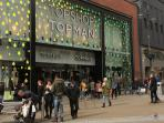 Such as the Brigitte pedestrianised section where shops like TopShop, Gap, Debenhams, Zara and H&M