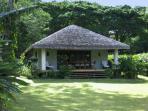 Otemanu Cottage -  Absolutely Waterfront!