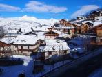 Vue du chalet sur le Villaret en hiver