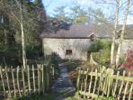 Barn end Cottage - Wintertime through the garden gate