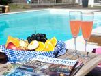 5* reviews - private pool & hot tub