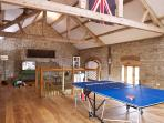The Granary games room - 60' Smart TV, games, books and toys to keep the whole family entertained