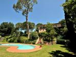 Vista della Villa e piscina