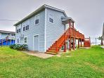 You'll have ample peace and serenity, as this Palacios vacation rental home is ideally settled in a very quiet...
